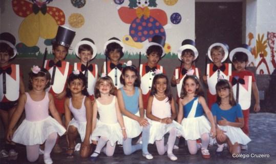 1985 - Apresentação dos alunos no Dia das Crianças