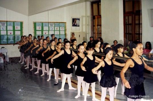 2003 - Alunas da turma de Extraclasse de Ballet no Colégio Cruzeiro - Centro