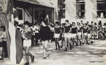 1971 - Abertura da 1ª Olímpiada Interna do Colégio Cruzeiro - Centro