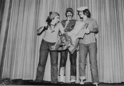 1971 - Apresentação Teatral no Colégio Cruzeiro - Centr