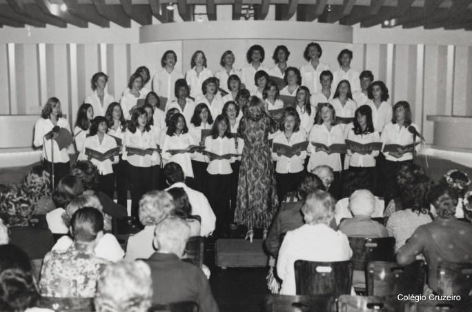 1977 - Apresentação do Coro do Colégio Cruzeiro - Centro no Tijuca Tênis Clube