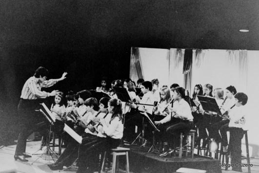 1983 - Apresentação do coro e flautas no Parque Lage