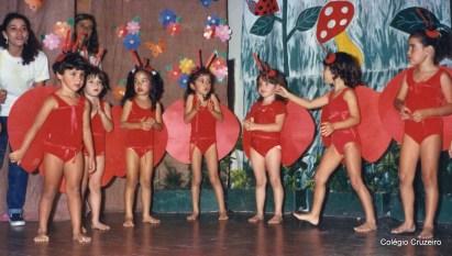 1987 - Apresentação sobre folclore no Colégio Cruzeiro - Centro