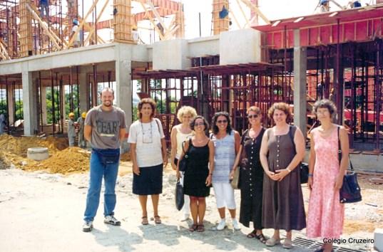 1999 - Corpo docente visita a obra do prédio principal do Colégio Cruzeiro - Jacarepaguá