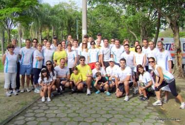 2010 - Grupos reunidos antes de começar a 3ª Caminhada & Corrida de 2010