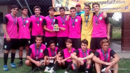 2014 - Equipe masculina Sub 17 de futebol da unidade Jacarepaguá conquista o 2º lugar na Copa Intercolegial Fut 7