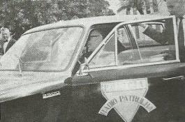 O Secretário da Segurança Pública, Hely Lopes Meirelles examinava uma das viaturas de marca Chevrolet Opala 2.500, recém entregues a Rádio Patrulha, em junho de 1.969..