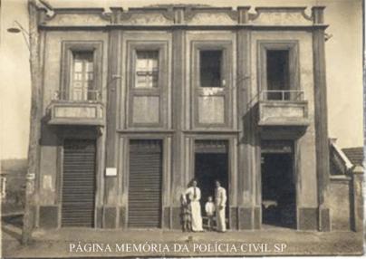 Prédio da delegacia e cadeia de Marilia- Pompeia, na rua Campos Novos, esquina da rua Mato Grosso, em 1.938.