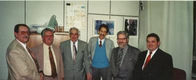 """Delegados de Polícia Margutti, Massilon Bernardes, Antônio do Carmo Freire de Souza, Wander Maia """"in memoriam"""", Expedito Marques Pereira e Escrivão Ronaldo Teodoro, na década de 90."""