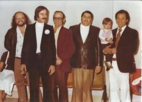 Equipe da Delegacia de Roubos- DISCCPAT- DEIC, Investigadores de Polícia Edson Moita, Buttes, Walter, Moraes e Oscar Matsuo, na década de 70.