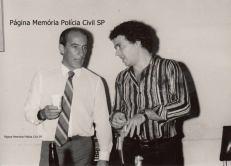 Delegado de Polícia titular do Furto de Autos do DEIC, Luis Alberto de Souza Ferreira e o Repórter Policial Cholinha, no início da década de 80.