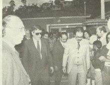 Velório do investigador de polícia Vitor Bonani Germano, do 47° DP, assassinado quando atendia uma ocorrência no Capão Redondo, em 1986. Na cerimônia fúnebre, realizada na humilde morada do finado, esteve presente o delegado geral de então, o Dr. Abrahão José Kfouri Filho, acompanhado do Delegado Márcio Prudente Cruz, num gesto de respeito ao agente que combaliu no cumprimento do dever.