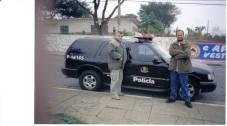 """Investigador de Polícia Osvaldo Bitencurtt """"Bita"""" """"in memorian"""", na foto à esquerda, em 2.005, acompanhado do agente Ronaldo Passadori do 81 DP. (enviado por Gilberto Miguel)"""