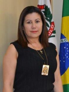 Delegada de Polícia Elizabeth Ferreira Sato, entrou na Polícia Civil em 1976, aos 18 anos como Investigadora de Polícia, transformando-se em uma especialista em Crimes Contra a Pessoa e reconhecidamente considerada uma ótima administradora. Em 09/01/13 foi designada ao cargo de Diretora do DHPP.