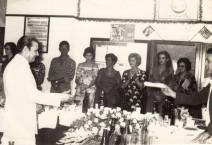 Delegado de Polícia Nestor Sampaio Penteado recebendo homenagem do lendário repórter Paladino, no início da década de 70.
