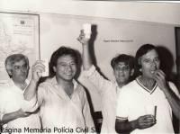 Investigadores de Polícia da Delegacia de Roubo a Bancos do DEIC, Santista, Oscar Matsuo (Chefe), Radamés e Buttes, meados da década de 80.