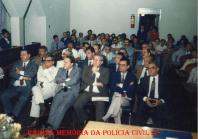 Título de Cidadão de Urupês ao Delegado de Polícia Cyro Vidal Soares da Silva. Na primeira fila, a partir da esquerda Delegados Jorge Miguel, Haroldo Ferreira, Manoel Aranha Peixe, Cyro Vidal, Guilherme Santana e Álvaro Franco Luz, em 1.989.