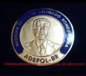 Medalha Senador Delegado Romeu Tuma, foi criada no estatuto da ADEPOL- Associação dos Delegados de Polícia do Brasil, com a finalidade de homenagear pessoas que tenham prestado relevantes serviços à entidade ou à classe dos Delegados de Polícia.