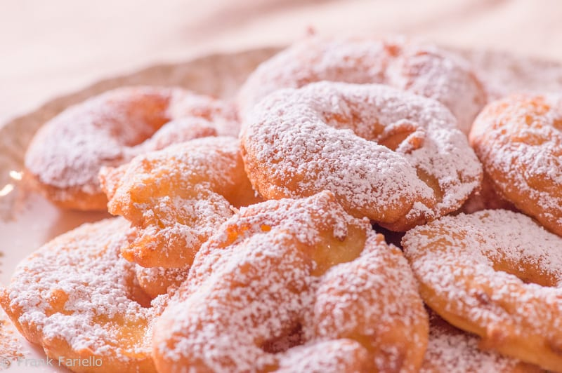 Frittelle di mele (Tyrolean Apple Fritters)