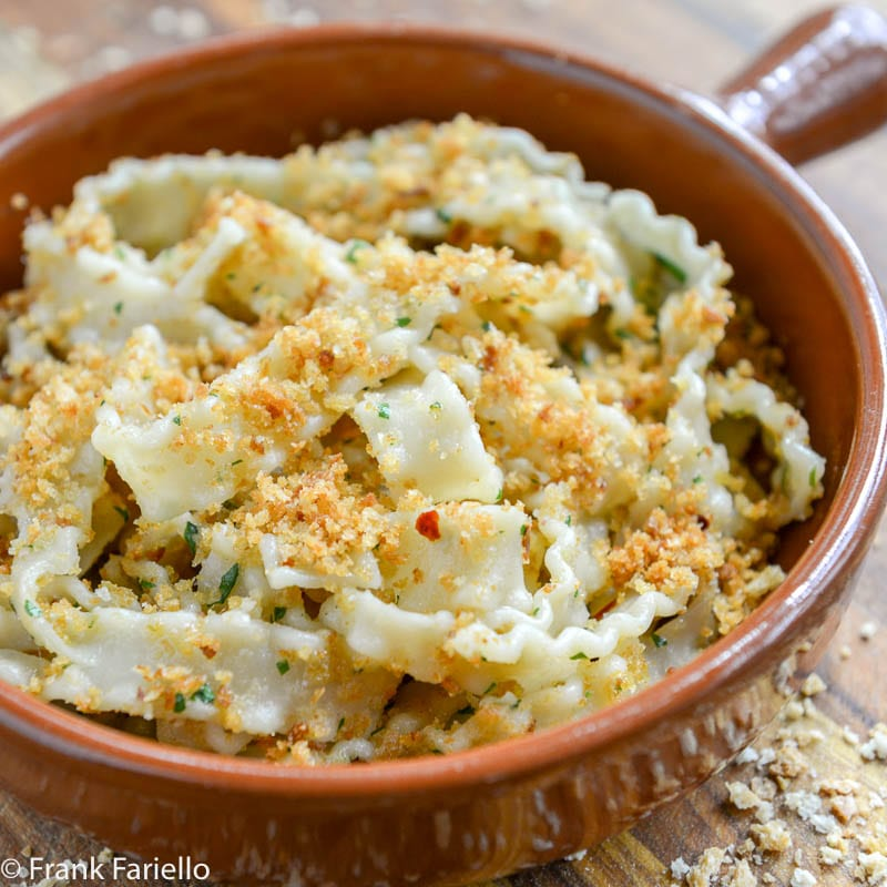 Pasta con la mollica (Pasta with Breadcrumbs)