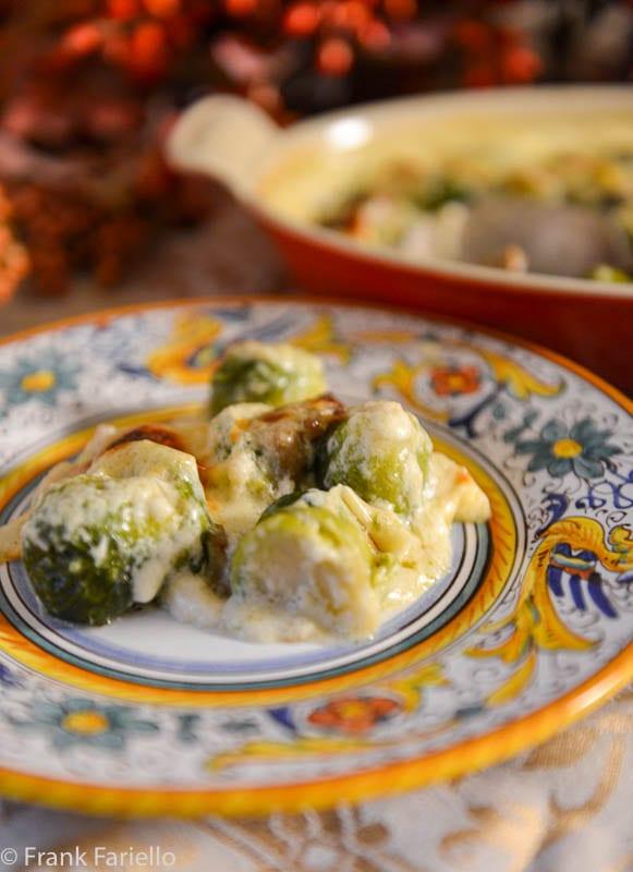 Gratin di cavolini di Bruxelles e funghi (Brussels Sprouts and Mushroom Gratin)