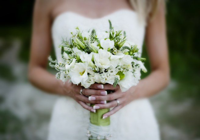 graphicstock-close-up-of-beautiful-floral-wedding-bouquet_B0M2hah5Z-.jpg