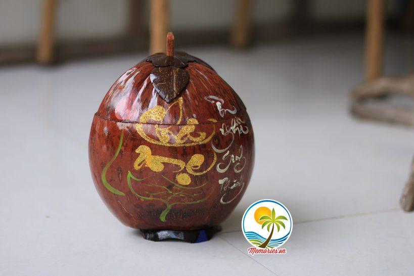 Vỏ Giữ Ấm Bình Trà Trái Dừa Khắc Chữ Thư Pháp - Quà tặng trang trí handmade - Decor Craft Gifts Shop
