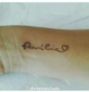 Tatuagem-escrita-familia-estilodevida-vivymacchado