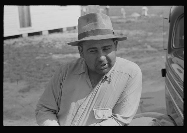 Father of a Gypsy family near Salisbury, Maryland. He works as a boiler man in town.  1940 July (Library of Congress)