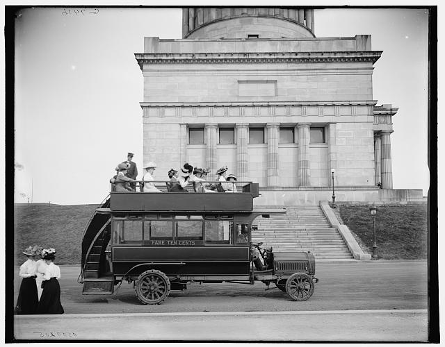 Rubber-neck auto, Grants Tomb, Riverside Drive, New York, N.Y., circa 1910-1915