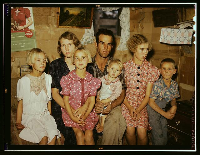 Jack Whinery and his family, homesteaders, Pie Town, New Mexico, September 1940