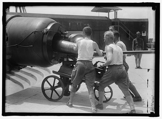 Loading Big Gun (1917 or 1918)