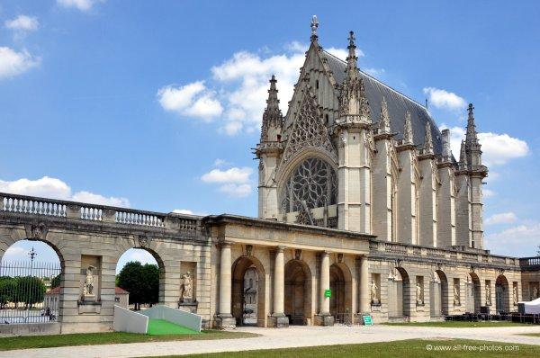 Sainte Chapelle Secret Church In Paris Globalization