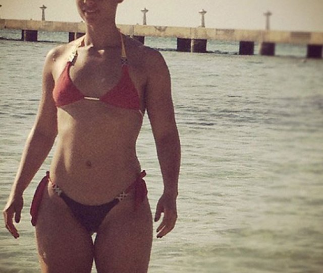 Swizz Beatz Tweets Alicia Keys Sexy Bikini Body My Bond Girl