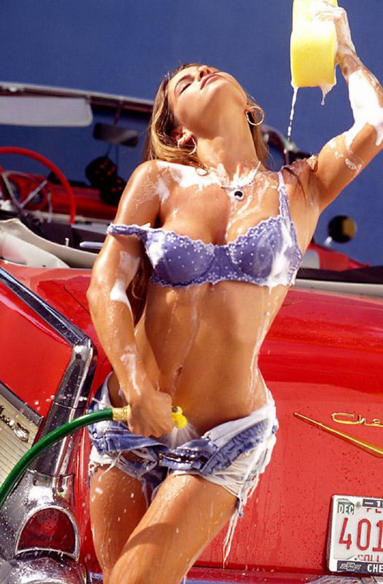 Sexy-Car-Wash-Chevrolet-700x