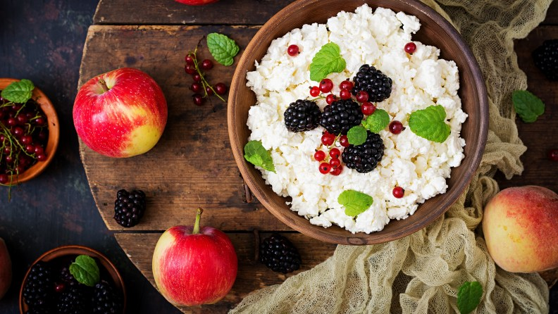 Blackberry_Quark_curd_cottage_farmer_cheese_Apples_535185_3840x2160