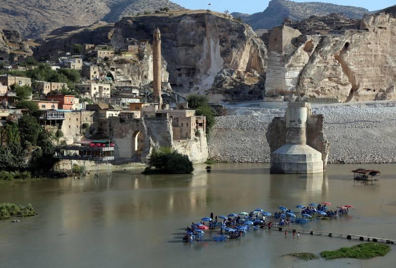 Turkey starts filling huge Tigris river dam