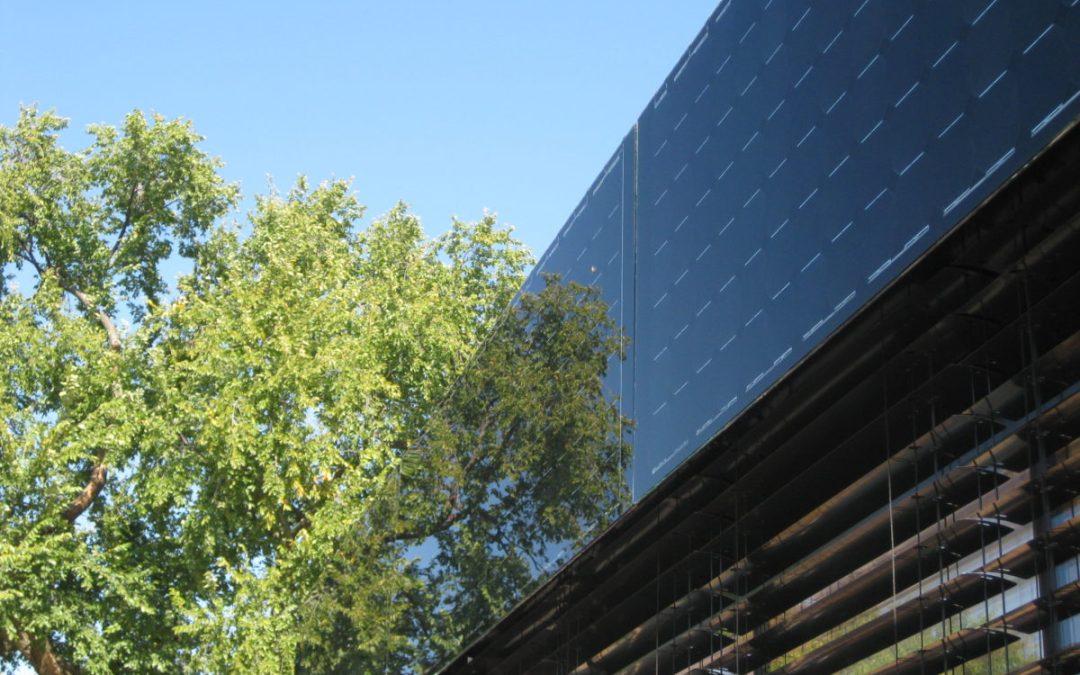 Raising crops in PV facades of buildings