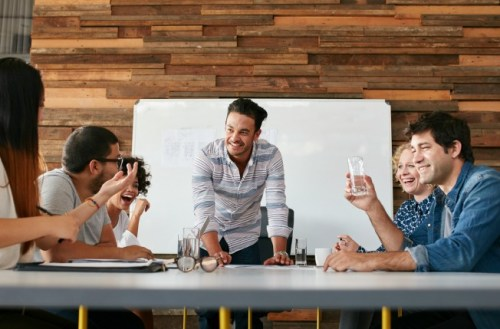 5 Reasons Rewarding Employees is Beneficial