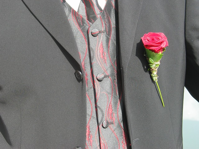 Guidelines on Wearing a Lapel Pin the Right Way