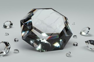 How Can You Identify the Right Diamond and Buy It