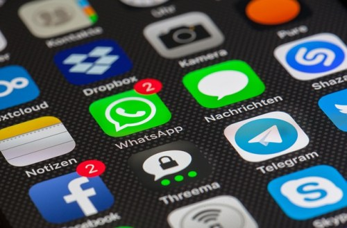 The Internet in Real Time: How Does Social Media React in a Day?