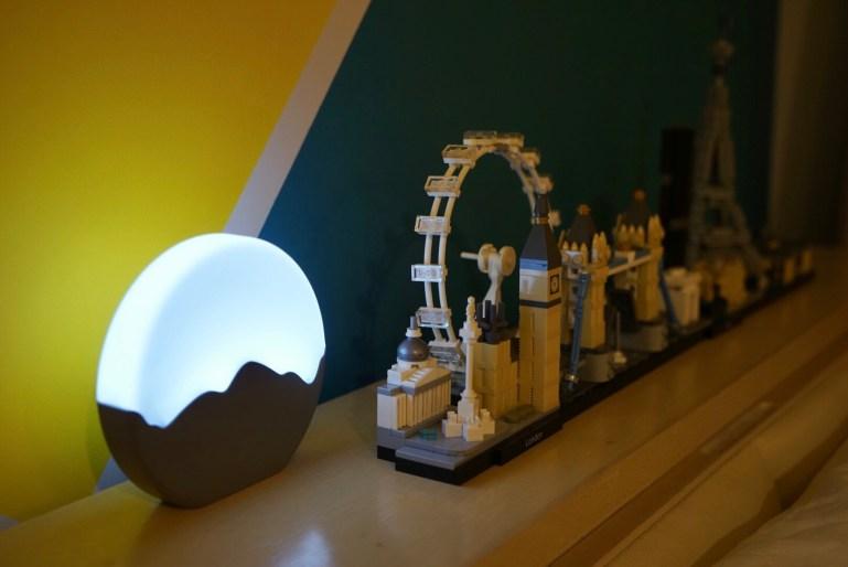 KUYOU廣州酷之優展位的Moon Night Light 這盞小夜燈