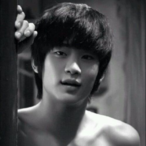 30 Alluring Korean Hairstyles Men