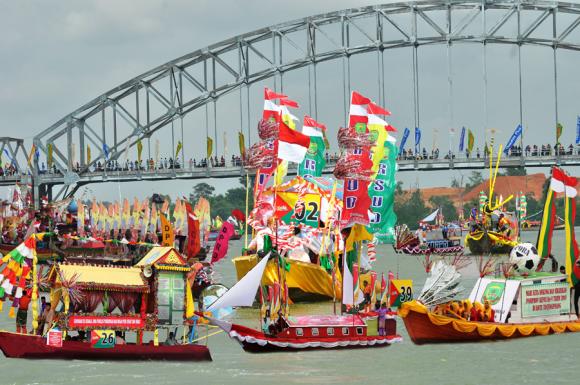 Festival Sungai Carang, foto diambil dari www.tanjungpinangpos.co.id