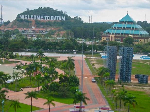 Dataran Engku Putri Batam. (Foto diambil dari enjoybatam.com)