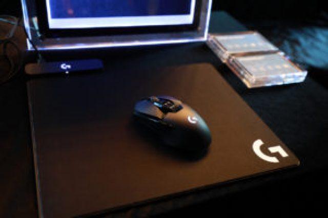 Logitech G903 Lightspeed 無線充電遊戲滑鼠