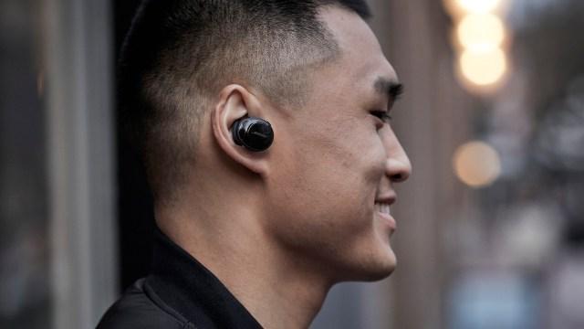 Bose SoundSport Free 備有黑色等3款配色,售價為 HKD2,098 ,將於2018年1月6日起於 Bose 專門店接受預購。