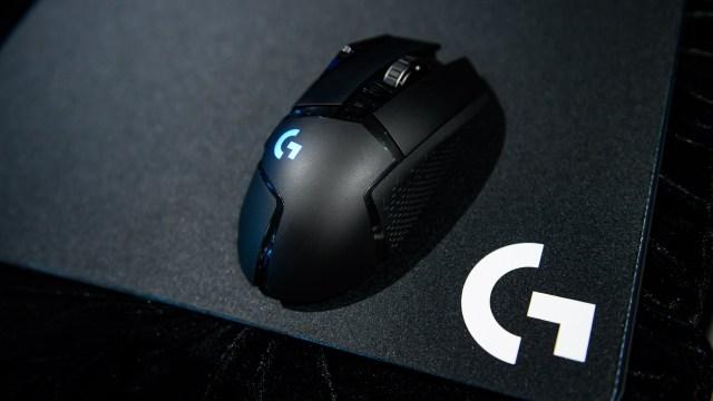Logitech G502 LIGHTSPEED 已經上市,繼承「神鼠」之名的全新產品,定價HKD1,299