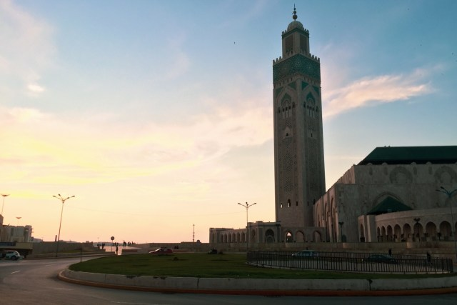 摩洛哥回教信眾很多,故此也有不少建築宏偉的清真寺,而且亦開放參觀(前提是不打擾崇拜)。